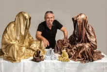 Guardians-of-time-waechter-der-zeit-time | Sculpture by artist Manfred Kielnhofer | polyester
