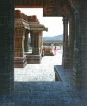 Pravin Pasare | Oil Painting title Vitthala Temple Hampi 11 on Canvas | Artist Pravin Pasare Gallery | ArtZolo.com