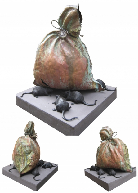 Mixedmedia Sculpture titled 'Robbery' by artist Swapnil Godase