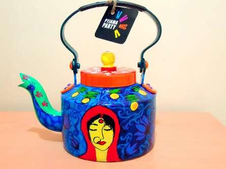 Coy Tea Kettle | Craft by artist Rithika Kumar | Aluminium