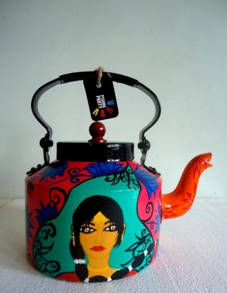 Indiana Tea Kettle | Craft by artist Rithika Kumar | Aluminium