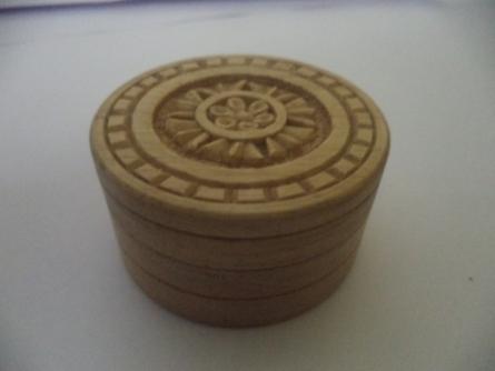 Gift box - round | Wood Handicraft | By Navodyami