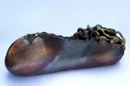 Neeraj Ahirwar | Untitled Sculpture by artist Neeraj Ahirwar on stoneware | ArtZolo.com