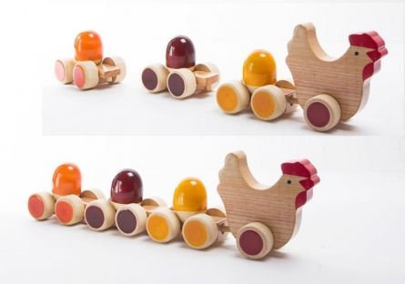 Oodees Toys | Tuck Tuck Pull Along Wooden Toy Craft Craft by artist Oodees Toys | Indian Handicraft | ArtZolo.com