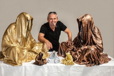 Guardians - of - time - waechter - der - zeit - time | Sculpture by artist Manfred Kielnhofer | polyester