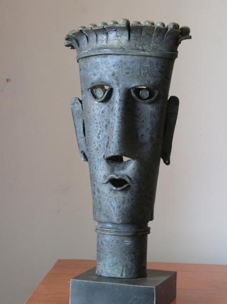 King | Sculpture by artist Shankar Ghosh | Bronze