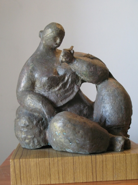 Reading 2 | Sculpture by artist Shankar Ghosh | Bronze