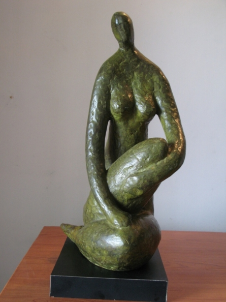 Sitting Lady 3 | Sculpture by artist Shankar Ghosh | Bronze