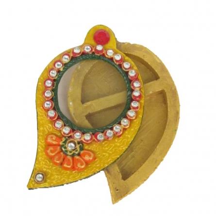 Chopra | Craft by artist Ecraft India | Paper