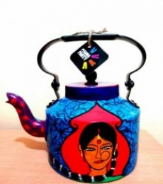 Indian Lady Tea Kettle | Craft by artist Rithika Kumar | Aluminium