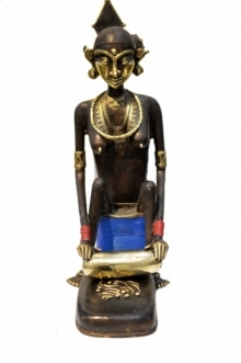 Tribal Working Lady | Sculpture by artist Kushal Bhansali | Brass