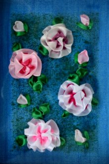 Mohna Paranjape | Roses Mixed media by artist Mohna Paranjape on Cloth | ArtZolo.com