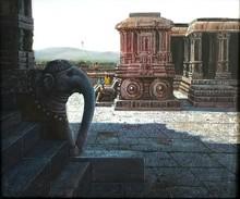 Religious Oil Art Painting title Vitthala Temple Hampi 21 by artist Pravin Pasare